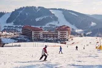Iarna pe schiuri, că pe uliță-i ocupat